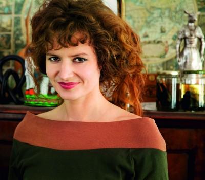 """Sarah Diehl (36) ist Publizistin, Autorin, Kulturwissenschaftlerin und Filmemacherin und arbeitet seit 2004 zum Thema """"reproduktive Rechte"""". Im Arche Verlag erschien 2014 ihr Buch """"Die Uhr, die nicht tickt: Kinderlos glücklich. Eine Streitschrift"""", Foto: Nane Diehl"""