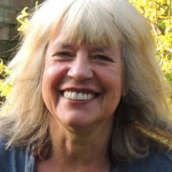 Ute Scheub lebt als Publizistin und promovierte Politikwissenschaftlerin in Berlin. Sie ist Mitbegründerin der taz und seit 1997 freie Journalistin. Sie veröffentlichte insgesamt 15 Bücher sowie unzählige Artikel rund um die Themen Umwelt, Frauen und Frieden. Für ihre Arbeit wurde sie mehrfach ausgezeichnet., Foto: Privat