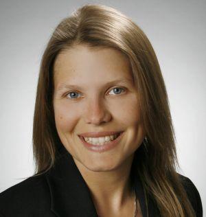 """Dr. med. Eva Katharina Kühner promovierte im Bereich kognitive Neurowissenschaften. Seit 2012 ist sie aktive Tierversuchsgegnerin und Tierrechtlerin und Vereinssprecherin von """"Ärzte gegen Tierversuche e.V."""", Foto: Presse"""