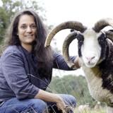 Hilal Sezgin (45) ist Journalistin und befasst sich mit Feminismus, Islam, Islamophobie und Tierethik. Sie ist Veganerin und lebt gemeinsam mit vielen Tieren auf einem Bauernhof in der Lüneburger Heide, Foto: Ilona Habben