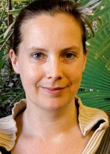 """Tanja Dräger de Teran (43) ist gelernte Diplom-Geographin. Sie arbeitet als Referentin für Nachhaltige Landnutzung beim WWF und leitet das Projekt """"Landwirtschaft für Artenvielfalt"""". Foto: Andreas Eistert, WWF"""