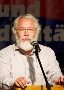 """Martin Budich (65) ist Mitglied der Initiative """"Religionsfrei im Revier"""" und beschäftigt sich hauptsächlich mit dem Verhältnis zwischen Kirche und Staat und den Kirchenprivilegien. Foto: Privat"""