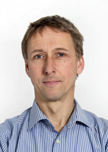 """Stefan Rostock (48) ist Leiter des Teams """"Bildung für nachhaltige Entwicklung"""" und NRW-Fachpromotor für Klima und Entwicklung bei der Umwelt- und Entwicklungsorganisation Germanwatch e.V. Foto: Stefan Arme"""