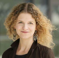 Sandra Schöttner (37) ist Meeresbiologin, arbeitet bei Greenpeace und beschäftigt sich hauptsächlich mit dem Thema Plastikmüll im Meer, Foto: Greenpeace/Axel Kirchhof