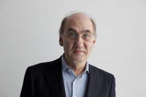 Der Kurator Dr. Heinz Liesbrock ist seit 2003 Direktor des Josef Albers Museums. Er studierte Kunstgeschichte, Amerikanistik und Literaturwissenschaft in Bochum, Swansea und Washington und war Leiter des Westfälischen Kunstvereins, Münster.Foto: Werner J.