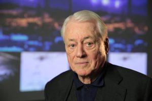"""Zur Person: Alexander Kluge (*1932 in Halberstadt) ist seit Beginn der 1960er Jahre als Schriftsteller und Filmemacher bekannt, etwa für """"Abschied von Gestern"""", für den er 1966 den Silbernen Löwen erhielt. Ab 1988 produzierte er unter dem Label DCTP Interviews mit Künstlern und Intellektuellen für verschiedene Privatsender. Seit 2000 veröffentlichte er mehrere Erzählungen, zuletzt 2015 """"Kongs große Stunde"""".Foto: Jens Nober"""