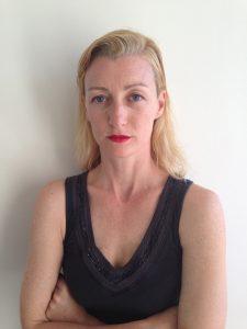 Prue Lang, geboren in Melbourne, studierte bis 1992 am Victorian College of the Arts. 1993 war sie Gründungsmitglied von Meryl Tankard´s Australian Dance Theatre. 1996 ging sie nach Frankreich, 1999 begann ihre Zusammenarbeit mit William Forsythe am Ballett Frankfurt. Die Künstlerin arbeitet zurzeit mit dem MichaelDouglas Kollektiv aus Köln am Choreographischen Centrum Heidelberg, Foto: Mathieu Briand