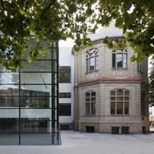 DAS MUSEUM Das Osthaus Museum Hagen ist nach Kunstmäzen Karl Ernst Osthaus benannt, der es 1902 eröffnete. Mit einer Sammlung moderner und zeitgenössischer Kunst und Innenarchitektur im Jugendstil wird das Museum auch zu einem Ort der Inspiration. Foto: Werner Hannappel