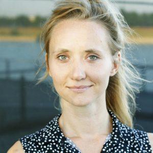 Zur Person: Mareike Thuilot (*1985) studierte Kunst und Philosophie in Dortmund. Bis 2017 arbeitete sie in der universitären Öffentlichkeitsarbeit, seit 2016 als Journalistin und Autorin mit den Themen- schwerpunkten Kunst und Gesellschaft. Foto: Privat