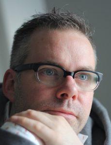 """Zur Person: Marcus Lobbes arbeitet seit 1995 als Regisseur und Ausstatter und wurde vor allem mit Klassiker-Umsetzungen bekannt. 2014 erhielt er den Hauptpreis für die beste Regie beim Theatertreffen NRW mit der Wuppertaler Produktion von William Gaddis' """"JR"""". Foto: Christian Weiss"""