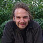 Zur Person: Rene Tettenborn ist Gründungs- und Vorstandsmitglied der Ökonauten eG, einer landwirtschaftlichen Genossenschaft in Berlin und Brandenburg. Seit 2017 arbeitet er als Klimaschutzmanager an regionalen Wertschöpfungs-kreisläufen. Foto: Ökonauten eG