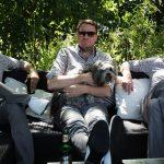 """Über Detlef Als Trio mit dem Namen Detlef nennen sich die drei Routiniers des deutschsprachigen Punk-Untergrunds konsequent Detlef Löber, Detlef Meurer und Detlef Damm. Zuvor spielten sie in den Bands Supernichts und Incoming Leergut. Kürzlich erschien ihr Debüt-Album """"Kaltakquise"""".Foto: Presse"""