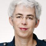 Zur Person: ULLE SCHAUWS Ulle Schauws (geb. 1966) arbeitete nach dem Studium erst in der Fernsehbranche und im Sozialwesen und ging 2002 bei den Grünen in die Politik. 2013 wurde sie erstmals in den Bundestag gewählt. Seit 2018 ist sie frauen- und queerpolitische Sprecherin der Grünen-Fraktion. Foto: DBT/Stella von Saldern